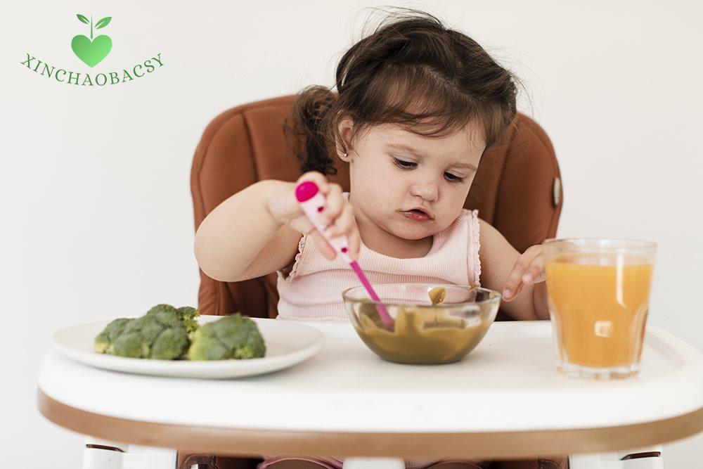 Trẻ sốt cao co giật nên ăn gì, kiêng gì để mau chóng hồi phục sức khỏe?